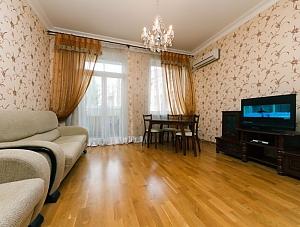 Beautiful apartment near Zoloti Vorota, Dreizimmerwohnung, 003