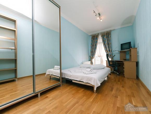Прекрасная квартира возле Золотых Ворот, 3х-комнатная (63864), 004