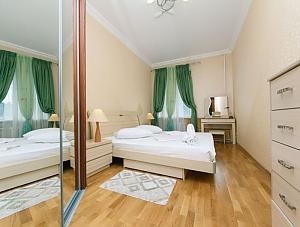 Beautiful apartment near Zoloti Vorota, Dreizimmerwohnung, 001