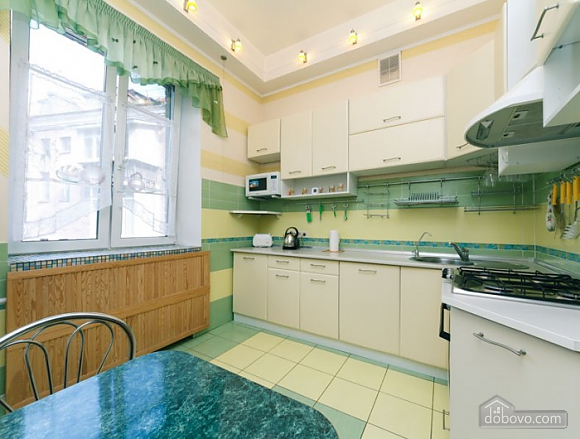 Прекрасная квартира возле Золотых Ворот, 3х-комнатная (63864), 006