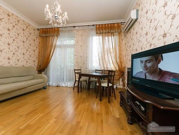 Прекрасна квартира біля Золотих Воріт, 3-кімнатна (63864), 008