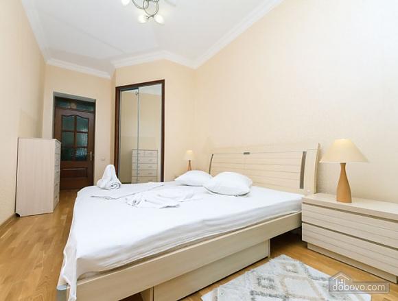 Прекрасна квартира біля Золотих Воріт, 3-кімнатна (63864), 009