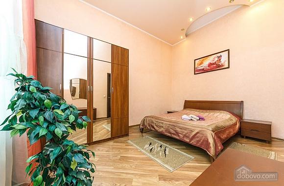 Біля Бессарабського ринку, 2-кімнатна (26035), 001