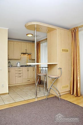 Уютная квартира в историческом центре, 1-комнатная (90095), 002