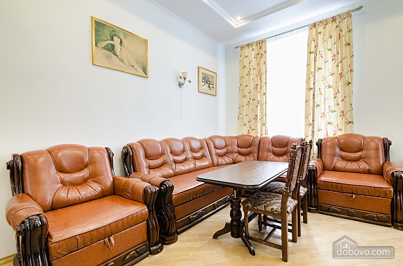 Apartment in the center of Lviv, Dreizimmerwohnung (79984), 001