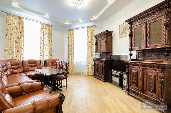Apartment in the center of Lviv, Dreizimmerwohnung (79984), 002