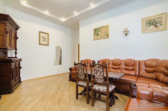 Apartment in the center of Lviv, Dreizimmerwohnung (79984), 003