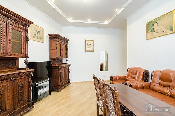Apartment in the center of Lviv, Dreizimmerwohnung (79984), 004