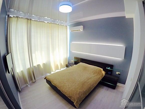 Апартаменти в Аркадії, 2-кімнатна (26979), 001