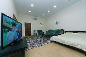Two rooms Zoloti Vorota metro station, One Bedroom, 002