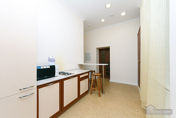 Two rooms Zoloti Vorota metro station, Una Camera (57010), 006