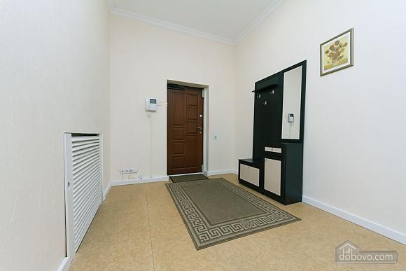 Two rooms Zoloti Vorota metro station, Una Camera (57010), 009