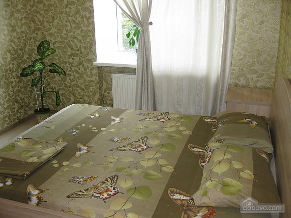 Квартира в тихому районі, 2-кімнатна (53099), 001