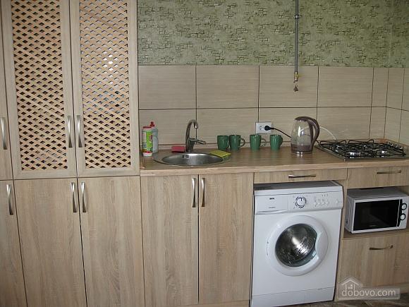 Квартира в тихому районі, 2-кімнатна (53099), 020