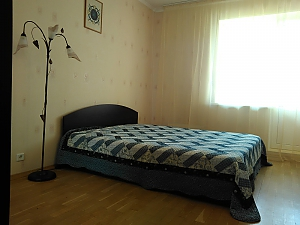 Spacious groomed quiet apartment, Dreizimmerwohnung, 002