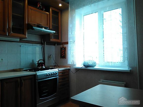 Простора доглянута тиха квартира, 3-кімнатна (50046), 007
