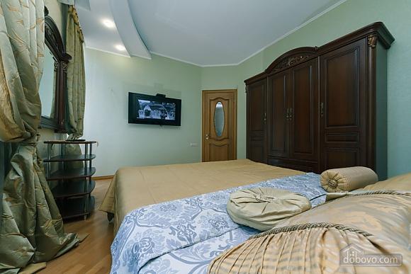 Большая раздельная квартира в центре, 2х-комнатная (43189), 009