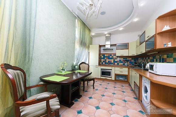 Большая раздельная квартира в центре, 2х-комнатная (43189), 012