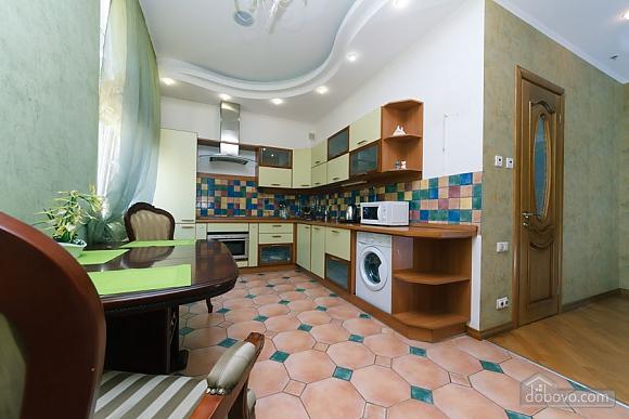 Большая раздельная квартира в центре, 2х-комнатная (43189), 013