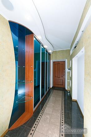 Большая раздельная квартира в центре, 2х-комнатная (43189), 020