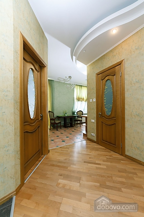 Большая раздельная квартира в центре, 2х-комнатная (43189), 021