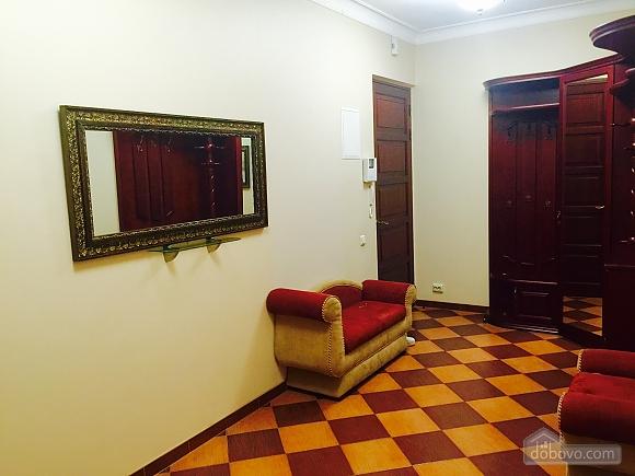 VIP-apartments near Bessarabka, Una Camera (85937), 010