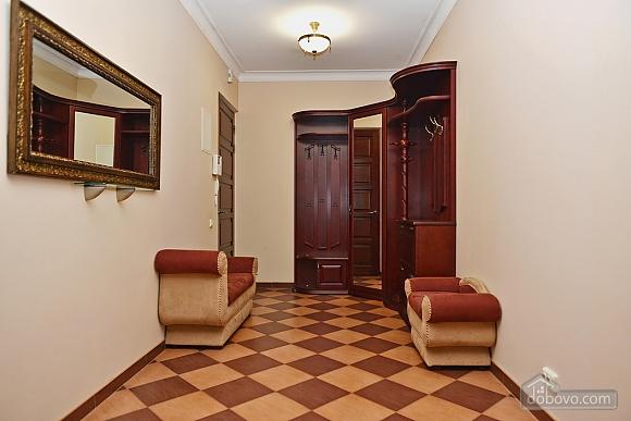 VIP-apartments near Bessarabka, Una Camera (85937), 008