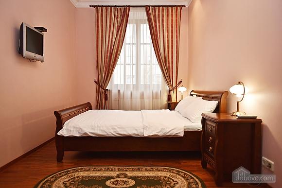 VIP-apartments near Bessarabka, Una Camera (85937), 005