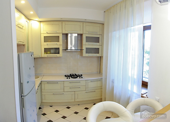 Apartment near Sobornyi district, Two Bedroom (81551), 003