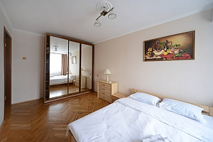 Pleasant quiet furnished apartment with unforgettable historic view in the center of Kiev, Zweizimmerwohnung, 002