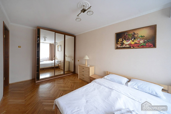 Pleasant quiet furnished apartment with unforgettable historic view in the center of Kiev, Una Camera (82487), 002