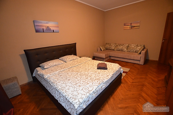 Cozy and comfortable apartment near Olimpiiska metro station, Two Bedroom (10338), 001