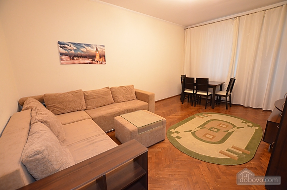 Cozy and comfortable apartment near Olimpiiska metro station, Two Bedroom (10338), 002