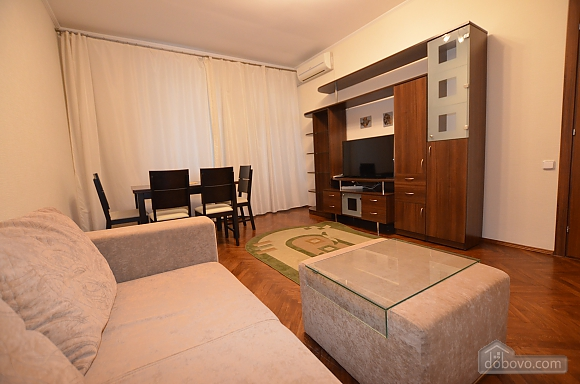 Cozy and comfortable apartment near Olimpiiska metro station, Two Bedroom (10338), 004