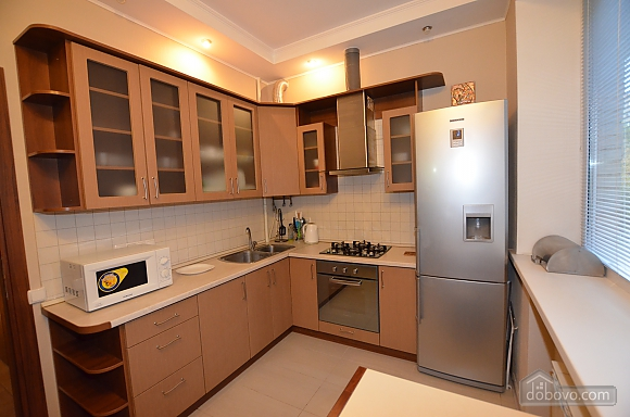 Cozy and comfortable apartment near Olimpiiska metro station, Two Bedroom (10338), 010