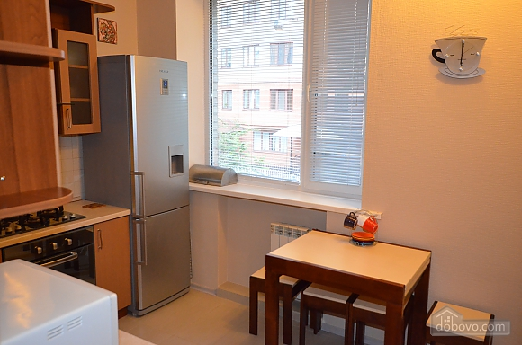 Cozy and comfortable apartment near Olimpiiska metro station, Two Bedroom (10338), 012