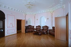 Вместительные пятикомнатные апартаменты в стиле ампир Идеально подходят для туристических групп, 5ти-комнатная, 003