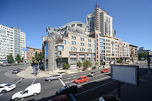 Spacious 4-bedroom apartment in the Empire style ideal for tourist groups, Quatre chambres, 002