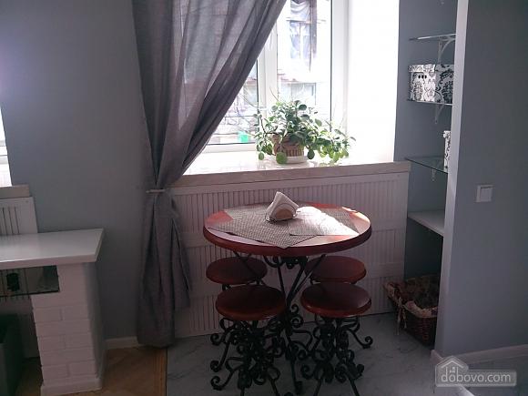 Михайловская, 2х-комнатная (33676), 008