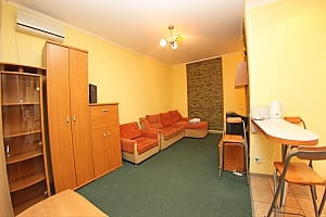 Apartment on Kontraktova square, Studio, 001