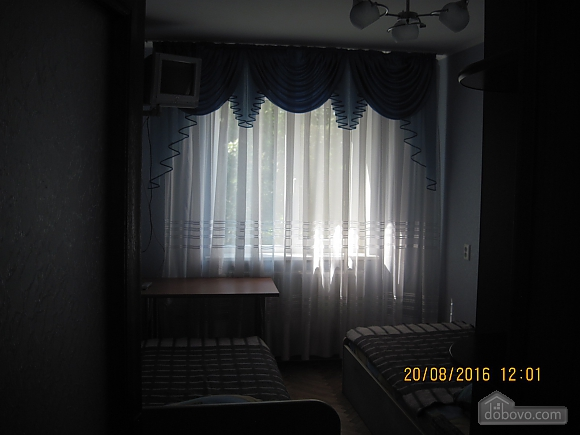 Квартира возле музея Коцюбинского, 2х-комнатная (63430), 007
