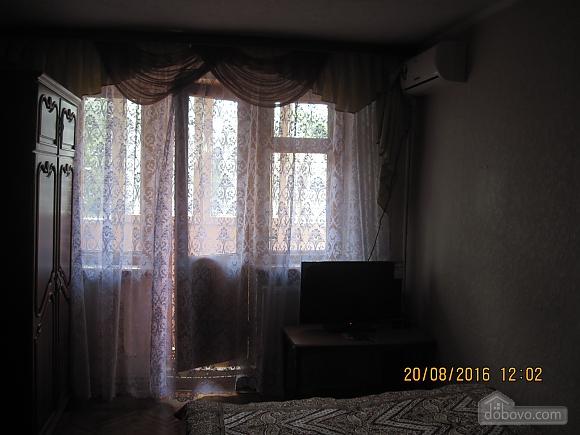 Квартира возле музея Коцюбинского, 2х-комнатная (63430), 008