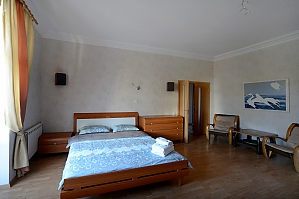 Spacious modern designer studio with balcony in the center of Kiev, Monolocale, 004