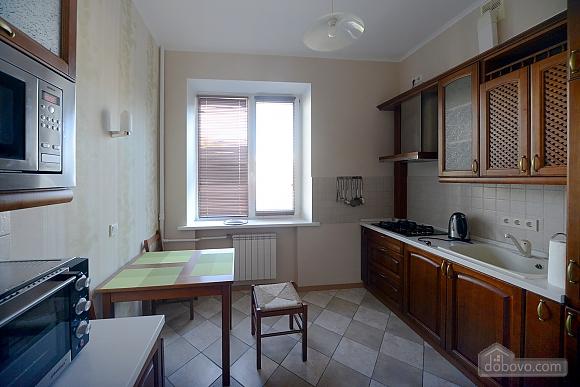 Spacious modern designer studio with balcony in the center of Kiev, Studio (44894), 010