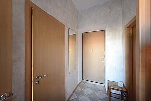 Spacious modern designer studio with balcony in the center of Kiev, Monolocale, 013