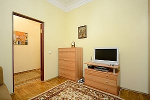 Amazing spacious equipped by last word of technics apartments in the center of Kiev, Studio, 002
