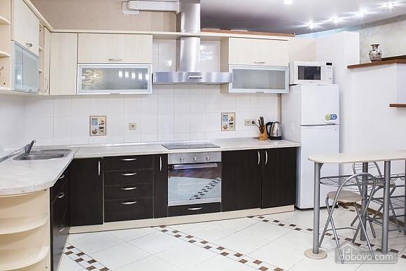 Роскошные апартаменты с двумя спальнями у моря в Аркадии, 3х-комнатная (46011), 011