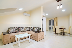 Cozy apartment with balcony in the heart of city, Una Camera, 002