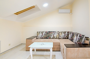 Cozy apartment with balcony in the heart of city, Una Camera, 003