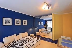 Отличная квартира возле станции метро Дружбы народов, 1-комнатная, 003